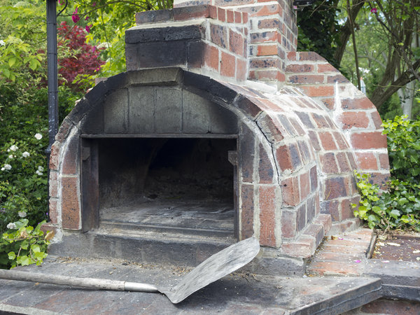 Baking oven: An open air wood burning baking oven in Sussex, England.