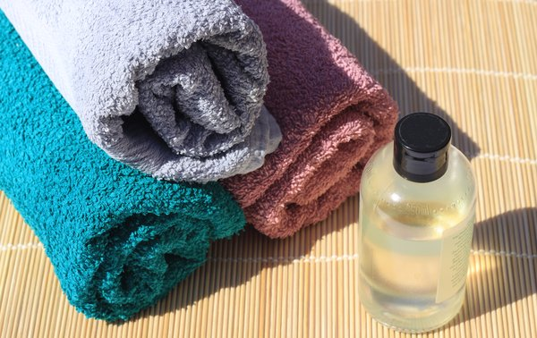Towels and bathoil