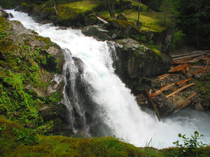 Cascades Waterfall: Although I have seen many waterfall photos this one describes American waterfalls nicely.