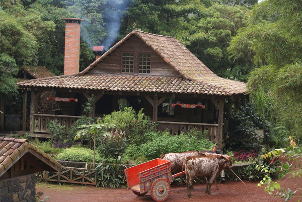 Rural view: An old rural house in Costa Rica