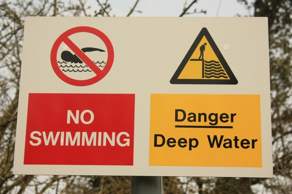 Deep Water warning sign: Deep Water warning sign
