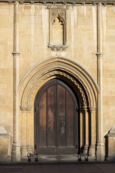 London church door
