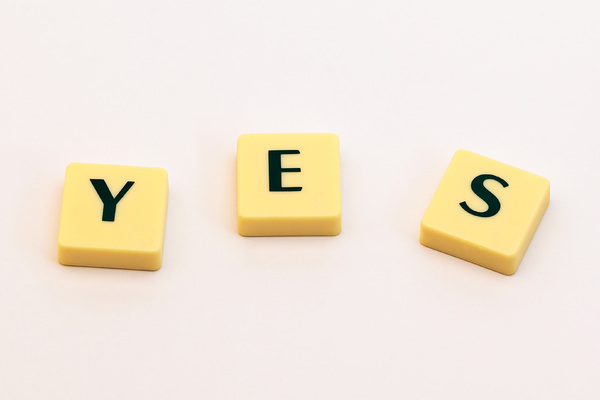 Words: Yes & No: A simple picture of letters forming a simple 'yes' word