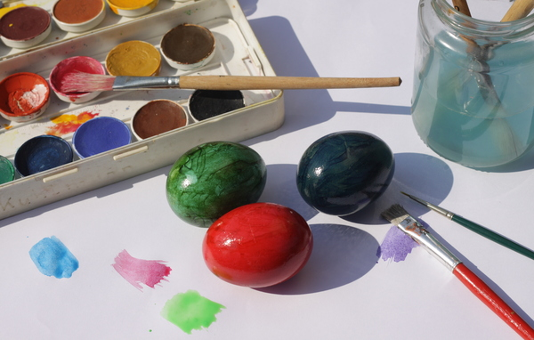 Painting Easter eggs 1