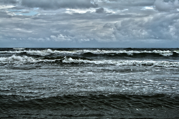 Wave 1: Baltic Sea before the storm.