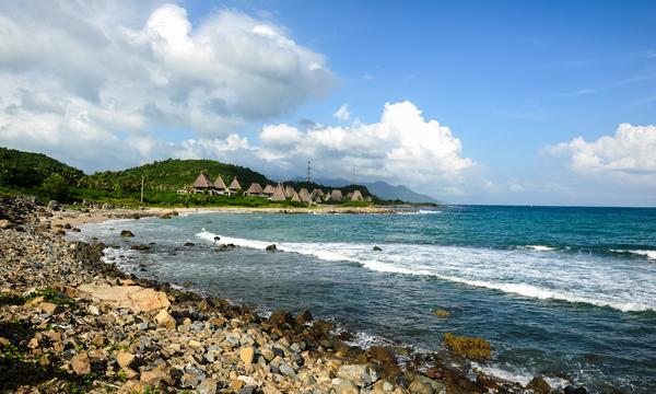 Nha Trang beach, Viet Nam: The beach in the North of NhaTrang city, Khanhhoa province, Central Vietnam, SouthEast Asia