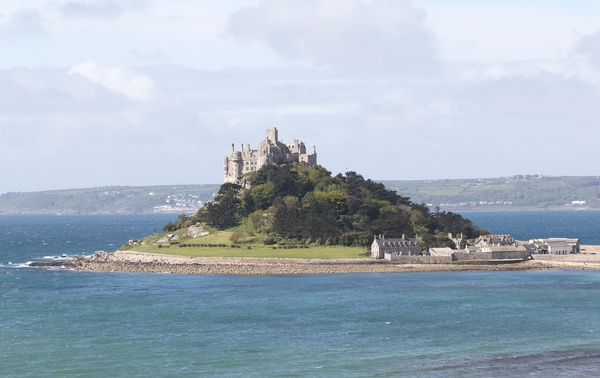 Castle island: St. Michael's Mount, Cornwall, England.