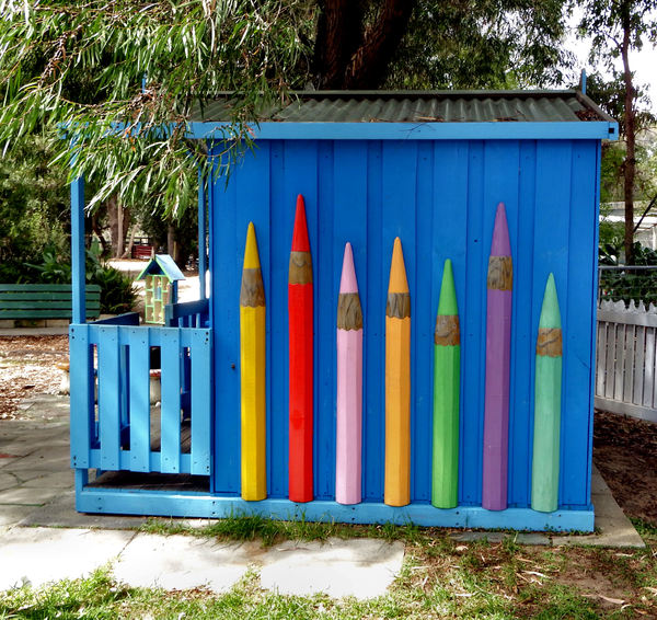 children's play shed: small shed for children's playing