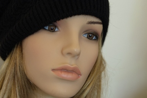 Mannequin with knitten hat
