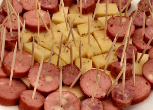 toothpick tastes2: ready to eat bite-sized variety of basic cheeses & meat pieces
