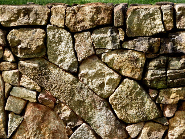 rock wall6: free standing dry stone wall
