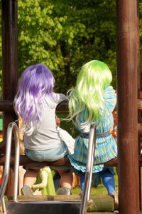 girls in carnival wigs: no description