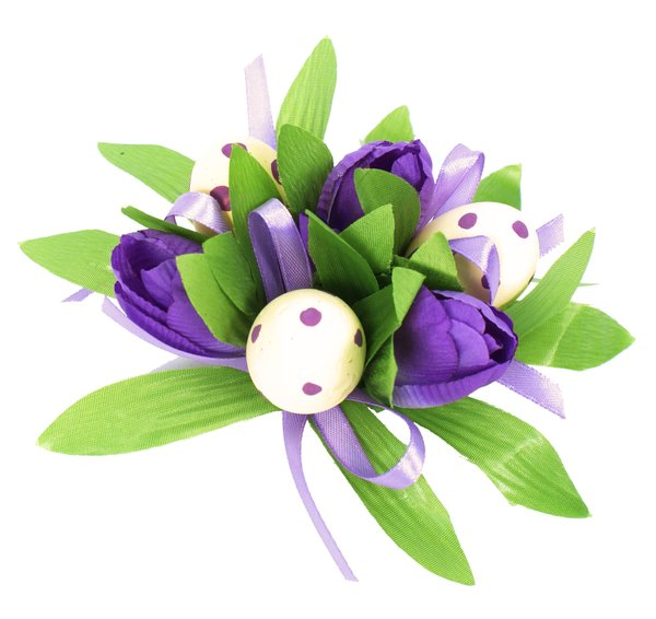Easter decoration: artificial tulips and eggs