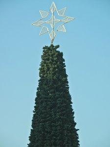 artificial christmas tree: artificial christmas tree