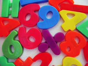 toy numbers: Colorful toy magnetic numbers / digits