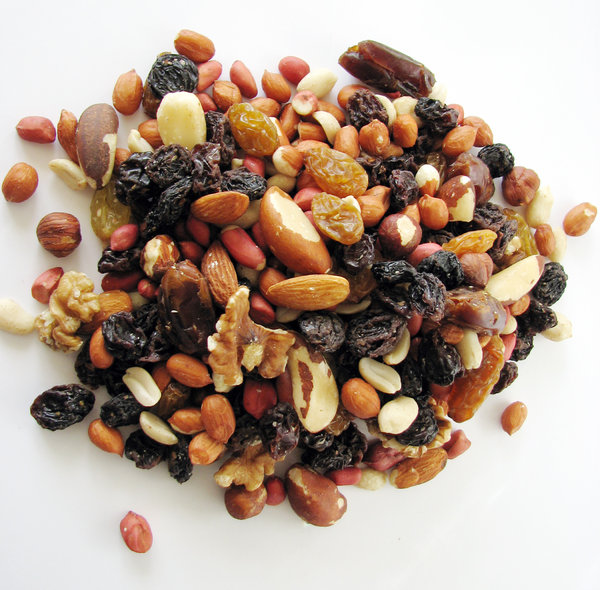 Fruit 'n' Nuts: Mixed fruit & nuts