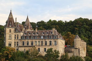 Durbuy Castle: A picture of the castle in Durbuy (Belgium) in autumn.