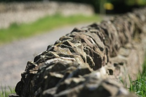 Dry stone wall: Views of a traditional dry-stone wall