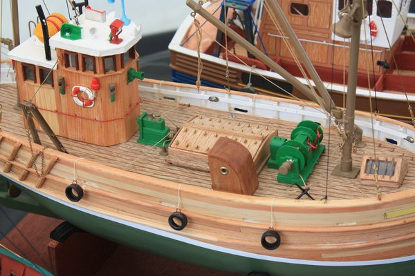 Model fishing boat: Model fishing boat