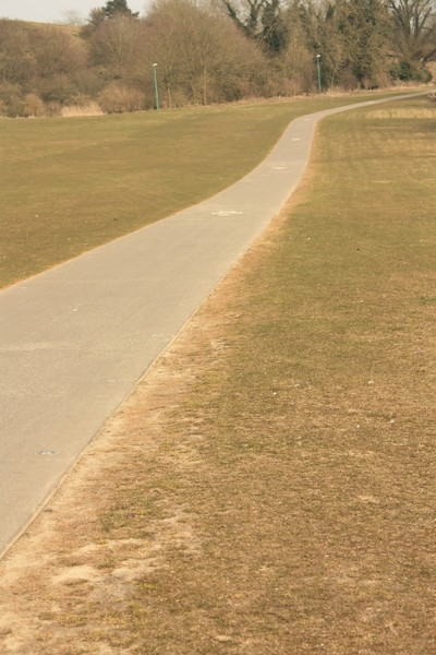 Cycle path: Long cycle path on a University campus