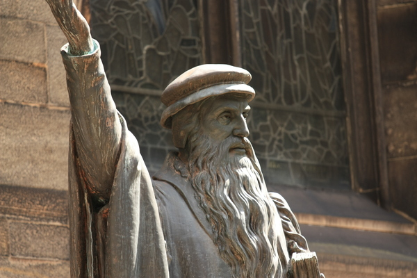 John Knox statue: Statue of John Knox, New College, Edinburgh