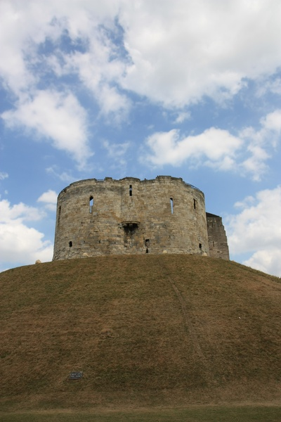 York Castle: Keep of York Castle on its mound