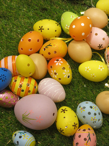 Colorful Easter eggs: Colorful Easter eggs