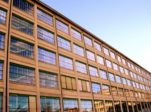 il lingotto: In the past this building was a large factory cars. Now is a huge shopping mall. Close factories open malls.