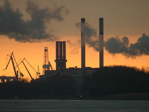 Industry by sunset: Europoort Industry by sunset