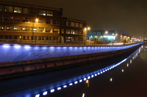 Charleroi, Belgium: By night, Charleroi. A pic I took on a bridge over troubled water. RATE IT PIC IF YA DOWNLOAD IT, THANKS ! I'd appreciate