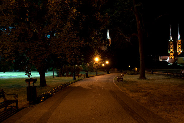 Night pavement 5: Wroclaw promenade at night