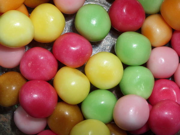 Bright Colored Candy: This is some delicious small candy balls up close. Really beautiful colors in each piece of candy.