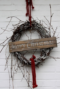 Christmas wreath: Christmas  outdoor decoration