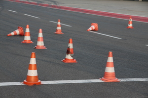 Safety cones: Pylons partly standing, party, laid
