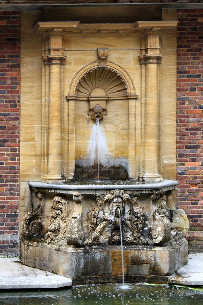 Ornate Fountain: Ornate Fountain