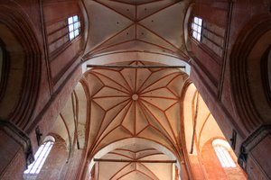 vault: vault in an middleage cathedral