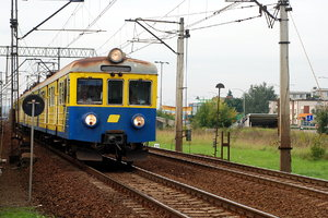 Old passenger train in Poland: Electric self-powered multiple unit in Gdansk (Danzig), called in Poland - SKM
