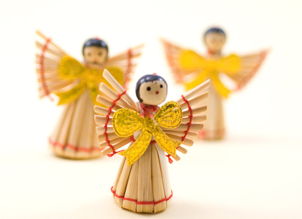 Strow angel 4: Decorations from christmas tree