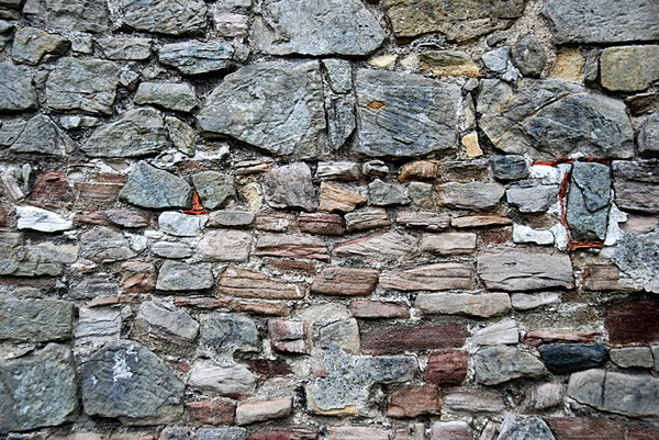 Pre romanesque stonewall in Ge: Wall from middle ages