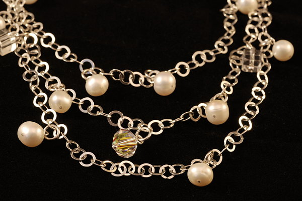 Necklace - oxidated silver 5: Necklace with crystal and pearls