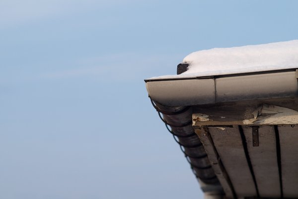 Snow on roof: Snow on roof