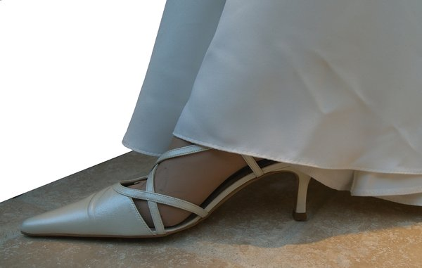 The bride shoe: from a window