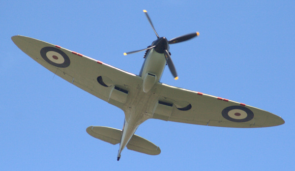Spitfire: Low level flyover