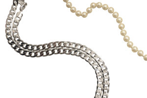 chains and pearls: Things to women and Guys