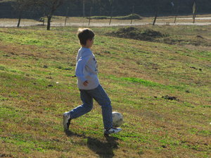 SOCCER: kid playing soccer