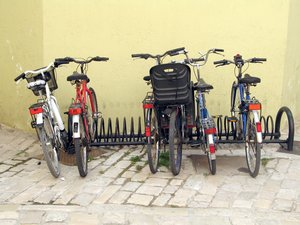 parked bikes: none