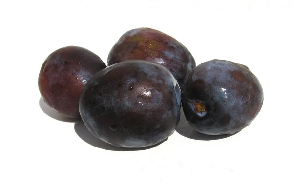 plums: none