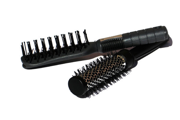 hairbrushes 1: none