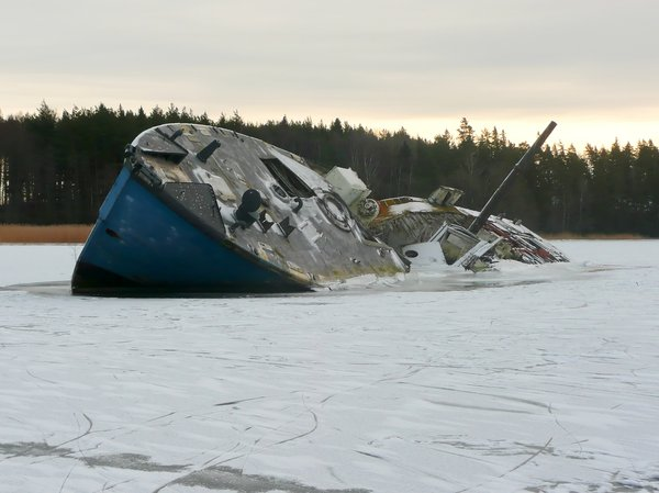 Frozen wreck: Old shipwreck caught in the ice