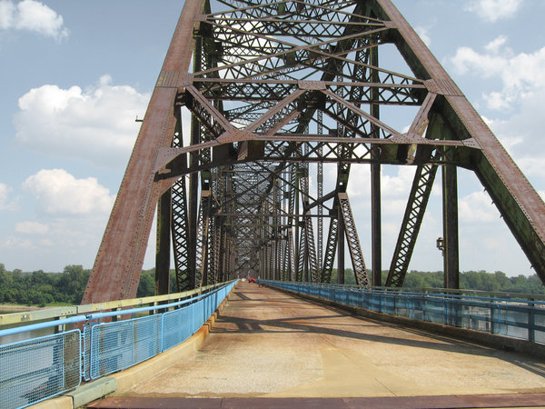 Old Chain of Rocks bridge: The old Chain of Rocks bridge on the old route 66 at St Louis, USA